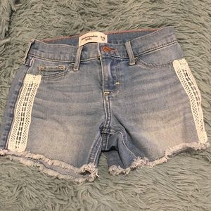 Girls 9/10 Abercrombie jean shorts